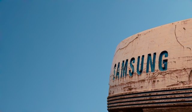 Why Samsung is Beating Apple in the Smartphone Race
